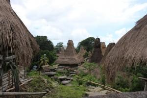 Kampung Manola