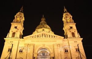 Tampak depan Gereja Katedral St. Stephen